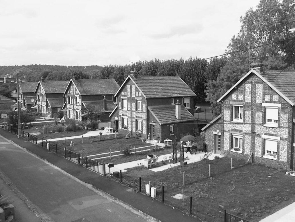 Premières constructions